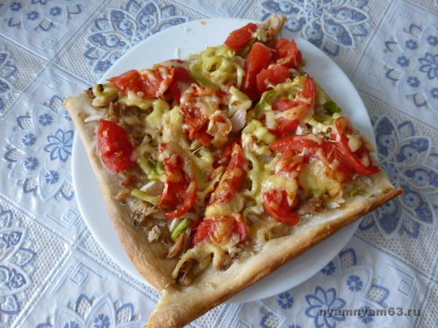 Пицца с вареной курицей